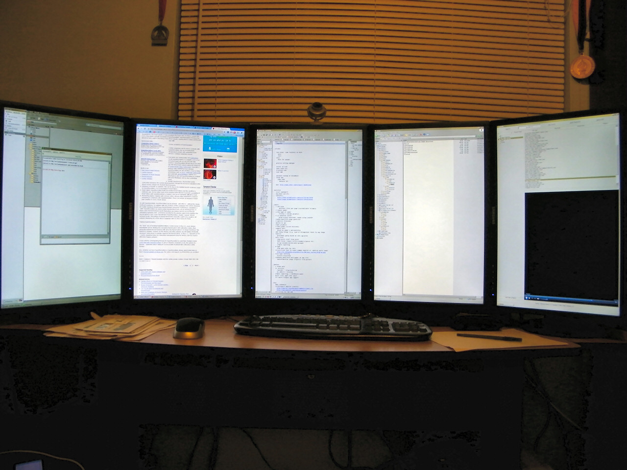 reddit, show off your computer desk! : AskReddit